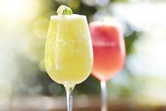 Man muss die Freitage feiern, wie sie fallen! Unser Vorschlag für deinen Feierabend-Drink! #Prosecco #sparkling #fruity #fresh