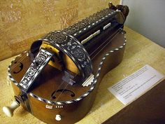 Guitar style body Hurdy Gurdy, Early Music, Musical Instruments, Louis Vuitton Monogram, Renaissance, Musicals, Guitar, Traditional, Bags