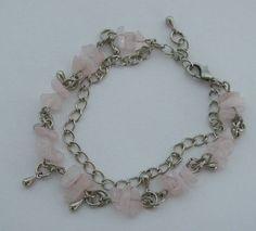 Conjunto feito com cascalho natural quartzo rosa. R$ 3,50