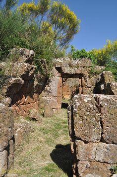 Etruscans: Archaeological area of Barbarano Romano (Viterbo), Alto Lazio. Photo © Anna V. www.leterrae.com