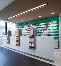 Style store interior design for pharmacy store - retail shop interior Design Exterior, Shop Interior Design, Retail Design, Store Design, Design Clinique, Black Store, Pharmacy Store, Pharmacy Humor, Store Layout