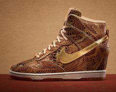 "Nike WMNS Dunk Sky High ""Year Of The Snake"""