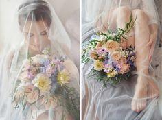 утро невесты, сборы невесты, букет невесты, фата, длинная фата, будуарная съемка, портрет невесты