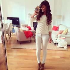 White fall casual outfit. Knitted sweater, white jeans pants. Brown boots bootie