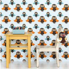 Owls on ihana tapetti lastenhuoneeseen. Siinä on hurmaavia ruskeita, oransseja ja sinisiä pöllöjä. Tanskalaista suunnittelua Ferm Livingiltä.
