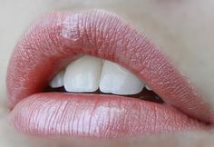 Summer Love #LipSense is back by popular demand! This frosted, blushing peach hue is just perfect for a summer day by the pool. Get yours while it's here!