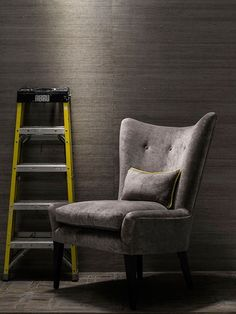 ibos_groundnut_wallcovering_with_isaac_chair_in_mossop_storm.jpg (600×800)
