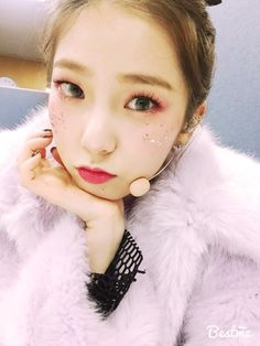 This is a network dedicated to the seven-member girl group Crystal Clear! It's a safe place to share our love for these amazing hardworking girls so if you love CLC. I Love Girls, These Girls, Clc Hobgoblin, Korean Eye Makeup, Asian Makeup, Korean Makeup Tutorials, Japanese Makeup, Eyeliner Tutorial, Kpop Girls