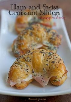 Ham and Swiss Croissant Sliders with Poppy Seed Dressing Easter brunch! Little Lunch, Soup And Sandwich, Clean Eating Snacks, Appetizer Recipes, Dessert Recipes, Love Food, Cookies Et Biscuits, Chip Cookies, Cravings