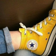 Model: Converse All Star, Yellow Shoes with high barrel Women's Shoes, Mode Shoes, Converse Shoes, Me Too Shoes, Yellow Converse, Yellow Shoes, Baskets Converse, Yellow Outfits, Yellow Clothes