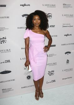 BEVERLY HILLS, CA - JUNE Actress Angela Bassett attends the Ladylike Foundation's 2018 Annual Women Of Excellence Scholarship Luncheon at The Beverly Hilton Hotel on June 2018 in Beverly Hills, California. (Photo by Paul Archuleta/Getty Images) Celebrity Pictures, Celebrity Style, Dope Swag Outfits, Angela Bassett, Black Goddess, Lauren London, Dark Skin Beauty, My Black Is Beautiful, Black Girls Hairstyles