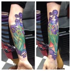 109 отметок «Нравится», 4 комментариев — Katya Slonenko (@slonenkotattoo) в Instagram: «В Амстердам со своим Ван Гогом #tattoo»