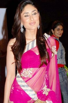 Gorgeous Kareena in pink saree.... #kareenakapoor #bebo #celebrities #bollywood
