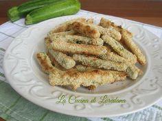 Semplici e deliziosi Bastoncini di Zucchine al forno croccanti ed irresistibilmente buoni, da preparare in abbondanza perché uno tira l'altro