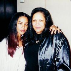 Aaliyah and her gorgeous mom Diane  #Aaliyah #AaliyahHaughton #liyah #lili #Li #babygirl #AaliyahandDiane #AaliyahsMom #Diane #mothersday #happymothersday #love