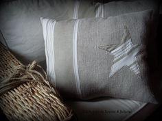 Coussin industriel en chanvre : Textiles et tapis par louise-et-juliette