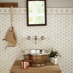 palazzo corsi tiles from fired earth Kitchen Wall Tiles, Bathroom Floor Tiles, Wall And Floor Tiles, Bathroom Wall, Small Bathroom, Downstairs Bathroom, Bathroom Ideas, Bath Tiles, Attic Bathroom