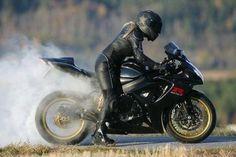 ❤️ Women Riding Motorcycles ❤️ Girls on Bikes ❤️ Biker Babes ❤️ Lady Riders ❤️ Girls who ride rock ❤️ Lady Biker, Biker Girl, Biker Baby, Honda, Motorbike Girl, Motorcycle Girls, Bike Rider, Hot Bikes, Biker Chick