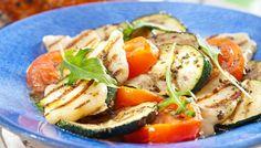 Grillattu halloumi-tomaattisalaatti - K-ruoka