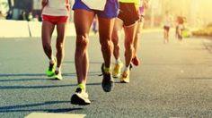 Image copyright                  thinkstock                  Image caption                     Los corredores ultra recorren distancias mayores que una maratón… y sufren las consecuencias.   Para la mayoría de nosotros correr es un asunto sencillo: te atas las zapatillas, tomas un sorbo de agua y emprendes tu camino. Pero para aquellos que practican el ultra running, correr es algo bastante más sucio.   El desafío de Eddie Izzard, el comediante qu