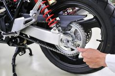 Best Motorcycle Chain Lube Reviews - A Complete Buyer's Guide - Motorcyclist Lifestyle