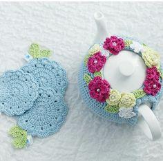 Instagram photo Mode Crochet, Basic Crochet Stitches, Crochet Chart, Crochet Geek, Tea Cosy Knitting Pattern, Crochet Dinosaur, Crochet Cozy, Crochet Decoration, Crochet Potholders
