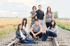 well done train track family shot. Large Family Poses, Family Picture Poses, Family Photo Sessions, Family Posing, Family Photos, Picture Ideas, Photo Ideas, Picture Outfits, Big Family