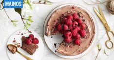 Kasvipohjaiset Fazer Aito -jälkiruokakastikkeet tarjoavat helpon reitin maidottomaan herkutteluun. Tällä reseptillä hurmaat pääsiäisenä! Halloumi, Acai Bowl, Strawberry, Baking, Fruit, Breakfast, Sweet, Recipes, Food