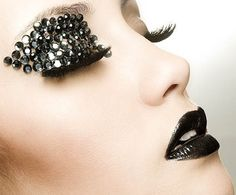 black rhinestones eyeshadow