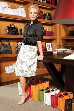 Carrolina Herrera Mature Fashion, Over 50 Womens Fashion, Fashion Over 50, Ch Carolina Herrera, Mom Outfits, Fashion Outfits, Advanced Style, Fashion Line, Work Attire