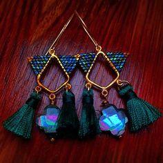 #abalone #auroraborealis #brickstitch #delicas #hexdelicas #miyuki #miyukidelicas #tassel