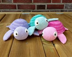 Matrials & Tools mm crochet hook (US E hook) (or a size that fits your yarn) Needle Stuffing Scissors Abbreviations st = stitch sc = single crochet ch = chain sl st = slip stitch inc = increase dec = decrease Crochet Easter, Crochet Diy, Love Crochet, Crochet Dolls, Single Crochet, Crochet Turtle, Crochet Animals, Yarn Crafts, Crochet Projects
