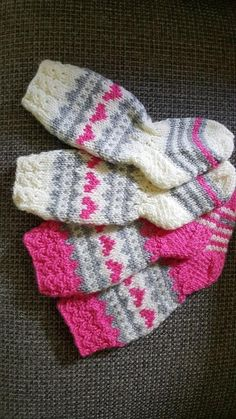 Image gallery – Page 469500329900027838 – Artofit Knitting Projects, Knitting Patterns, Sewing Projects, Crochet Baby Socks, Knit Crochet, Knitting Socks, Baby Knitting, Woolen Socks, Knit Baby Dress