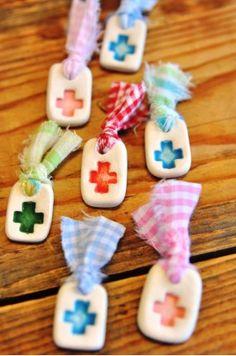 Χειροποίητα Μαρτυρικά Ceramic Pins