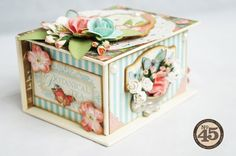 A gorgeous altered Book Box by Arlene using Botanical Tea! Including a stunning mini inside! Shared on the Paper Crafter's Library blog today! #graphic45 #botanicaltea