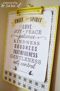 DIY clipboard and FREE Fruit of the Spirit (Galations printable! Love Joy Peace, Free Fruit, Fruit Party, Free Bible, Free Verse, Memory Verse, Fruit Of The Spirit, Best Fruits, Scripture Art