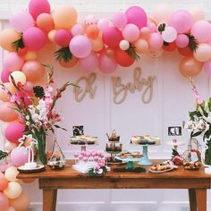 Being a baby shower hostess doesn't have to be stressful! Relax, put your feet up, and get ready to host the cutest baby shower party ever! Cadeau Baby Shower, Idee Baby Shower, Flamingo Baby Shower, Cute Baby Shower Ideas, Baby Shower Balloons, Girl Shower, Baby Shower Themes, Baby Shower Decorations, Balloon Arch Diy