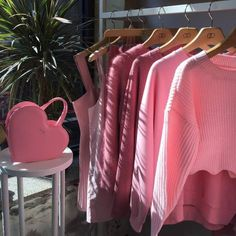 Image about fashion in pink 'n girly by katichka Pink Love, Pretty In Pink, Tout Rose, Baby Pink Aesthetic, Aesthetic Colors, Aesthetic Images, Aesthetic Food, Images Esthétiques, Everything Pink