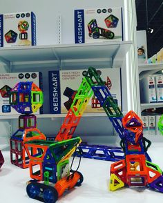 We loved building and playing with @smarttoysgames #Geosmart magnetic builders -- a FamilyFun Favorite Award winner! We love the creativity and safety of the covered magnets! #tfny16 #tfny