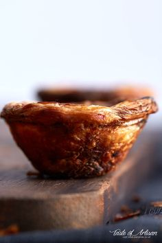 is the authentic Portuguese Custard Tarts recipe, used by a bakery in Lisbon. Use the 6 tips provided in the recipe to make a perfectly crisp and nicely browned custard tart without hassle. Portugese Custard Tarts, Portuguese Custard Tart Recipe, Portuguese Desserts, Portuguese Recipes, Portuguese Tarts, Portuguese Food, Banana Pudding Desserts, Strawberry Desserts, Dinner Crepes