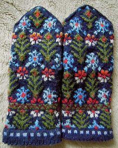 Ravelry: lacesockslupins' Graph 30 - District of Zemgale, Pēternieki, Jelgava, (fringe removed) lizbeth Uptis book Crochet Mittens, Mittens Pattern, Fingerless Mittens, Knitted Gloves, Knit Crochet, Knitting Charts, Knitting Socks, Hand Knitting, Mittens