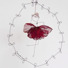 A rose or a ballerina? Both ! wire and fabric perfect combo Daniela Corti Fili di poesia