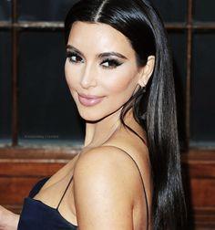 Kim Kardashian, love her hair and makeup here!