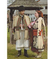 Beius, Transilvania Costumes Around The World, Fashion History, Fashion Tips, Folk Costume, People Of The World, Ethnic Fashion, Romania, Scandinavian, Kimono Top