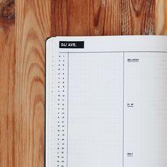 Bullet journal monthly calendar, linear calendar, vertical calendar, minimalist bullet journal monthly calendar. | @thebujette