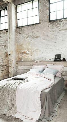 faire une tête de lit soi-même, chambre à coucher style loft