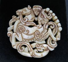 Old-Chinese-White-Jade-hand-carved-horse-and-the-monkey-Amulet-Pendant-L332