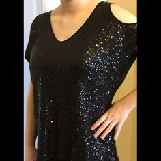 Jeans by Buffalo sequin top Gorgeous sequin top to add some bling for your night out. Paired with jeans and heals, this top makes you glamorous. Fully lined. Worn one time . All sequins intact. EUC. Buffalo Tops