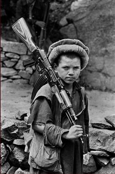 Young boy joins guerilla movement in Nuristan. - Afghan Mujahideen During The 19791980, pin by Paolo Marzioli