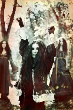 yes, i am pretty sure this is my alter ego... black wavy hair-the gloves-the makeup- the jacket- the forest- yea... pretty sure.